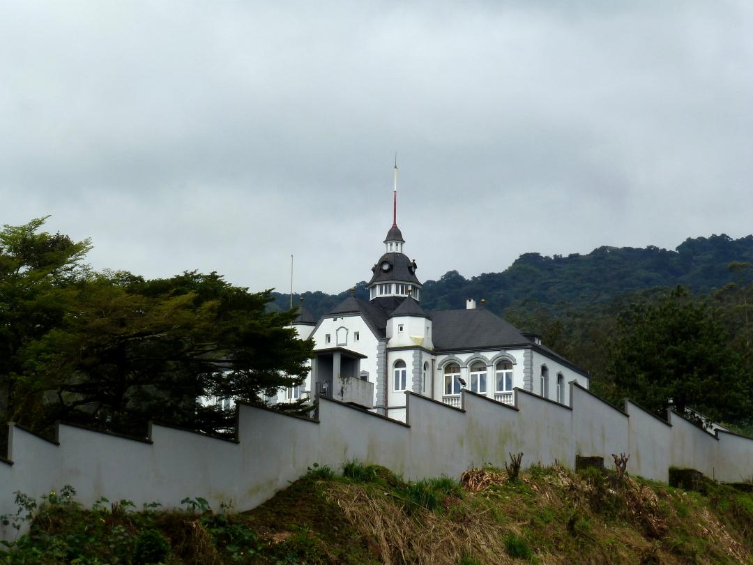 Governor's_Palace_Buea